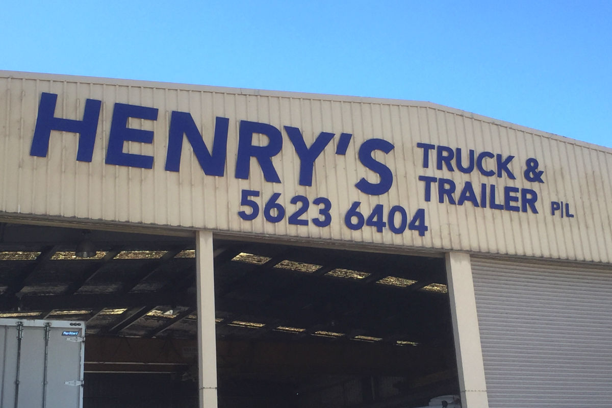 Building sign for Warragul truck and trailer business