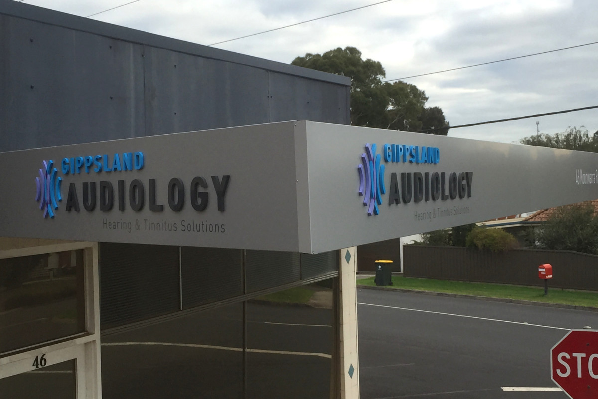 Gippsland Audiology clinic building signage by Signspec