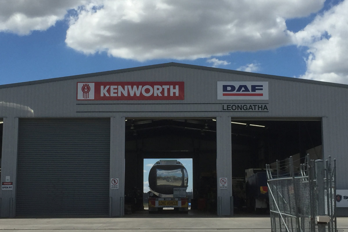Kenworth truck building sign Leongatha by Signspec