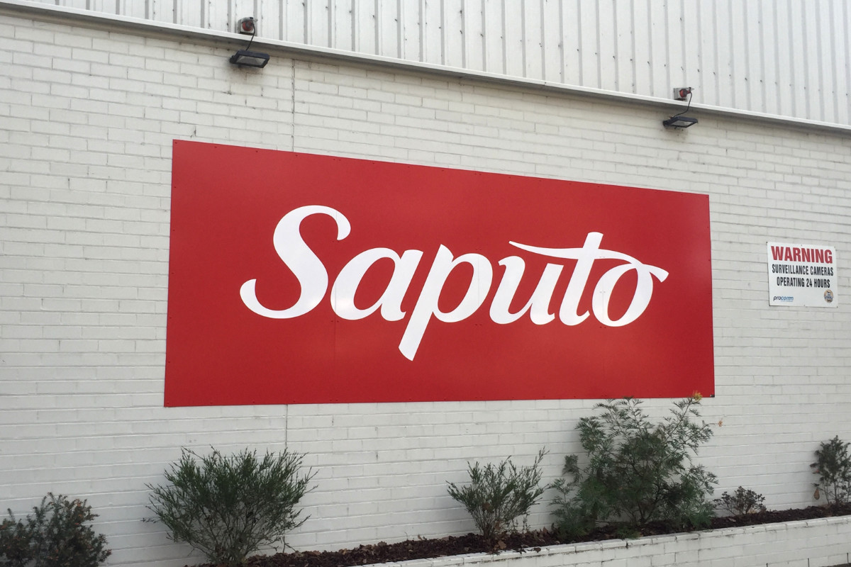 Saputo dairy building sign by Signspec