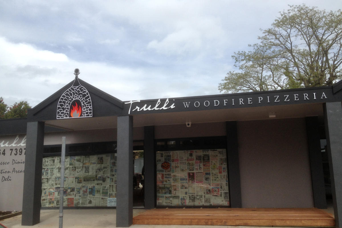 Outdoor signage for Meeniyan's Trulli Pizza