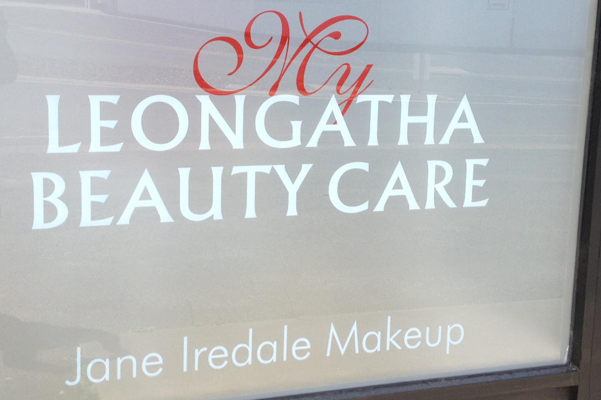 Frosted window effect for beauty salon in Leongatha