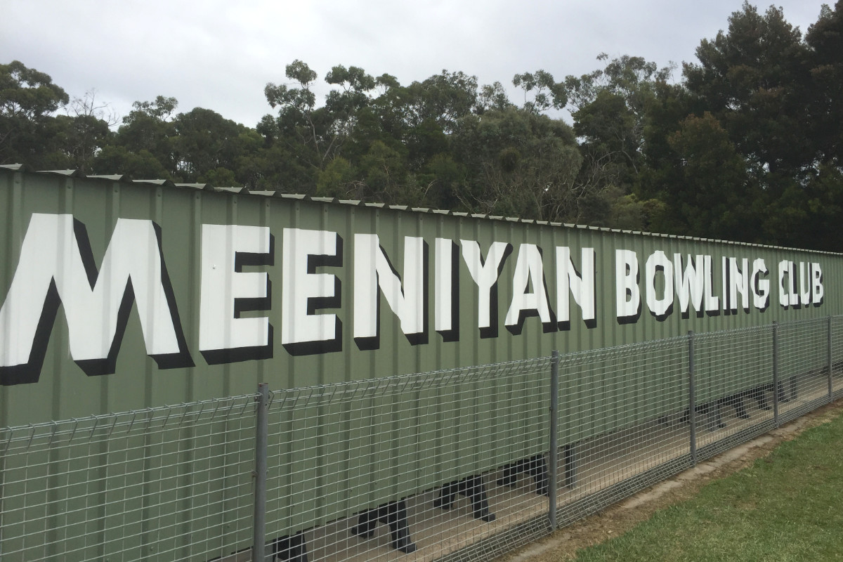 Handpainted sign for Meeniyan Bowling Club 1